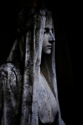 Die Hüterin - © Helga Jaramillo Arenas - Fotografie und Poesie  / Oktober 2012