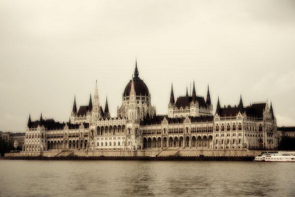 Das Parlament (2) / Budapest - © Helga Jaramillo Arenas - Fotografie und Poesie / Juni 2017