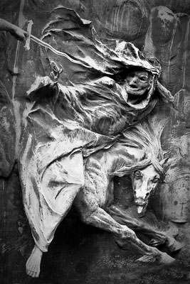Kampfeslust in himmlischen Sphären (11) - © Helga Jaramillo Arenas - Fotografie und Poesie / September 2013
