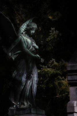 Inmitten der Nacht II. - © Helga Jaramillo Arenas - Fotografie und Poesie / März 2018