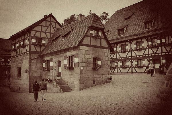 Der Weg zur Burg / Nürnberg - © Helga Jaramillo Arenas - Fotografie und Poesie / Juni 2011