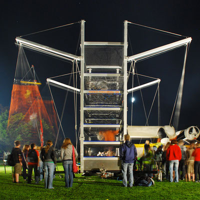 Fun-Tower mit Sprungplatz (auf Hänger)