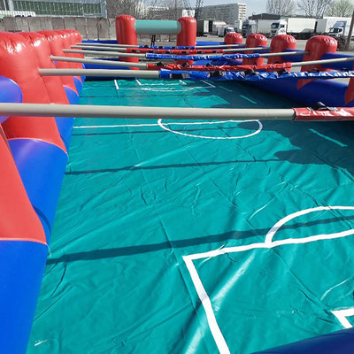 Menschenkicker (Human-Table-Soccer)