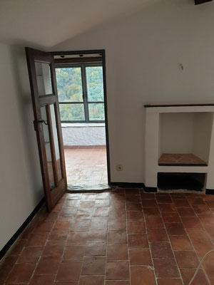 Wohnzimmer, Durchgang zur Loggia