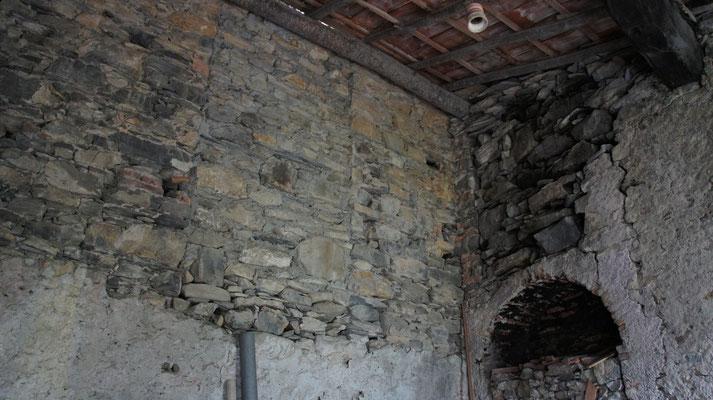 Fienile: Innenansicht vor der Renovierung