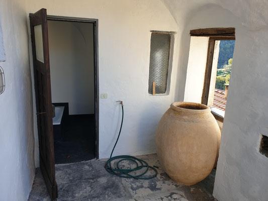 Terrasse, Eingang zum Bad