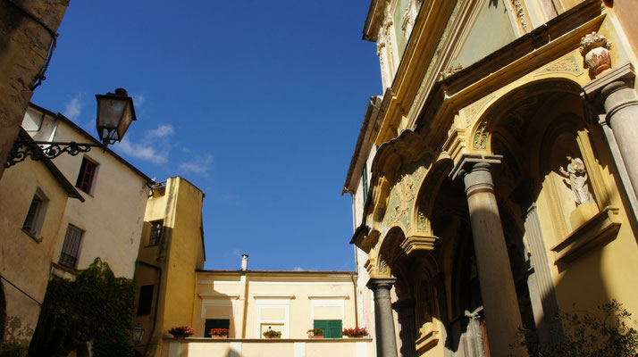 Dolcedo-Piazza, Rokkokoportal