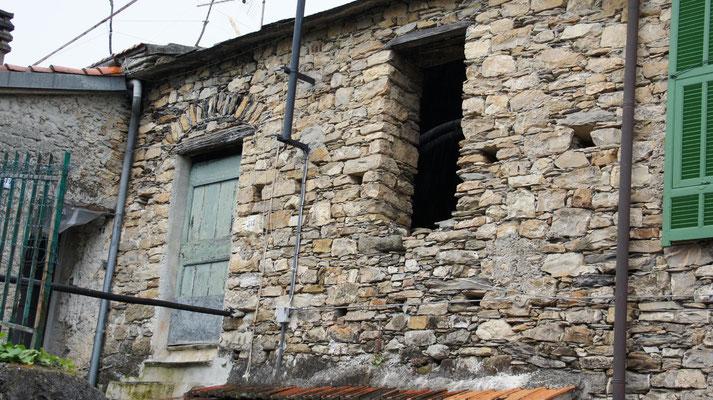 Fienile: Außenansicht vor der Renovierung