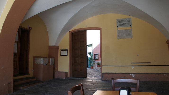 Dolcedo-Piazza, Loggia Sutto Münte