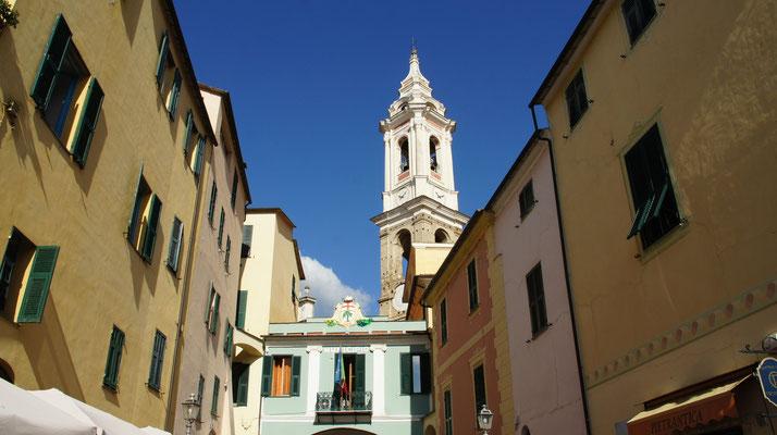 Dolcedo-Piazza, Piazza Doria