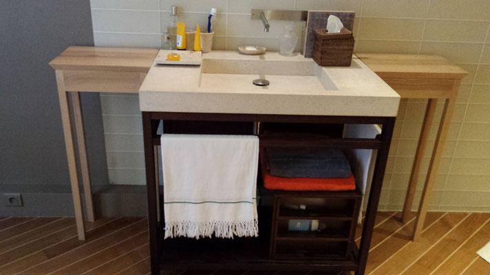 Petites consoles de salle de bain, frêne massif