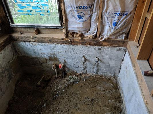 浴室解体後