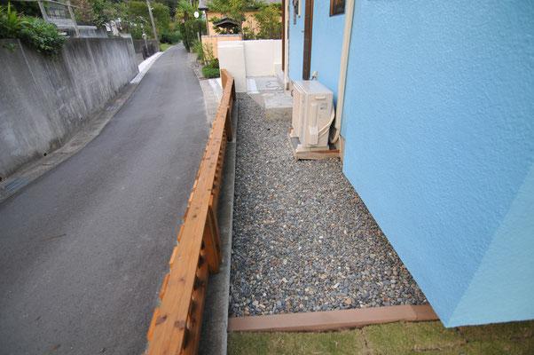 防草シート+砂利敷き込み