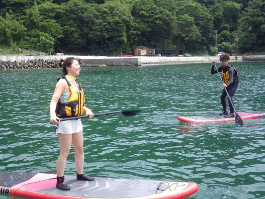 まずは穏やかな湾内で練習