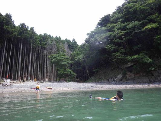透明度も高く綺麗な砂浜も残っています!
