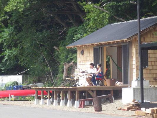 海小屋を貸切でBBQ