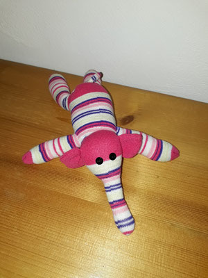 Sockenelefant, weiss-pink gestreift