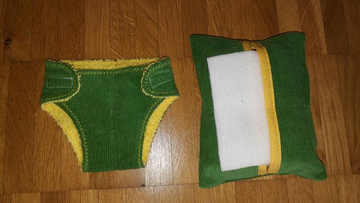 Puppenwindel klein und Feuchttücher, grün mit gelb