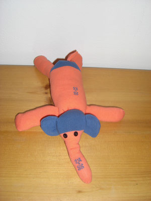 Sockenelefant, orange mit blau
