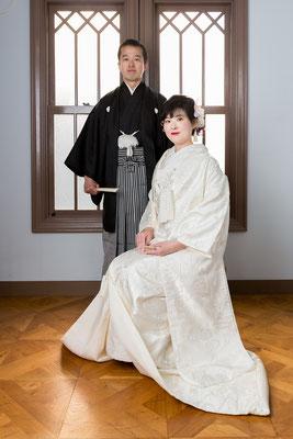 新婦 白無垢・新郎 紋付袴