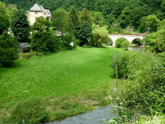 La Sûre, Luxembourg (Au Bout des Pieds)
