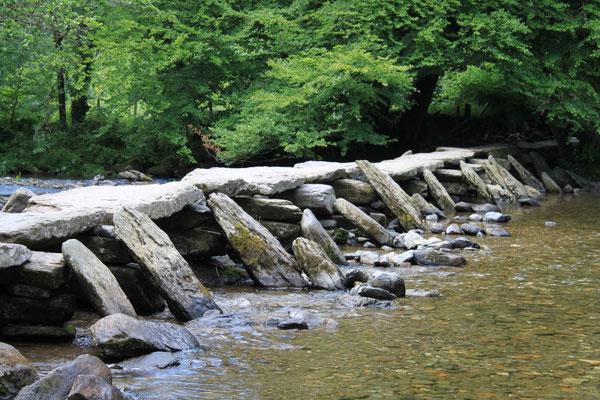Tarr Steps clapper bridge, Exmoor (Au Bout des pieds)
