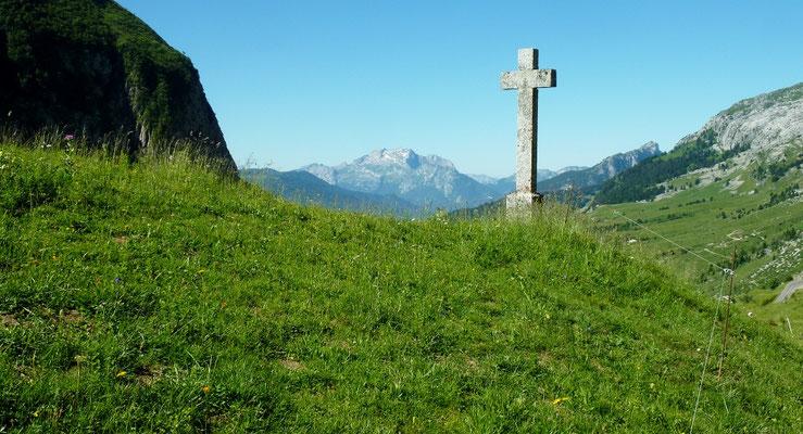 col de la Colombière 1 618 m (AU BOUT DES PIEDS)