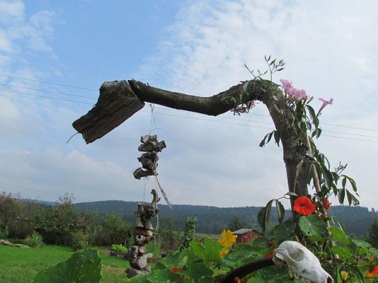 Eigenkreation - Kunst aus Fundstücken des Waldes