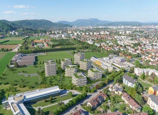 Drohnenaufnahme Richtung Schlossberg