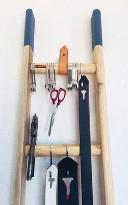 """Il modello di scala ellecuorea con """"Lance Colorate"""" per accessori e strumenti da lavoro"""