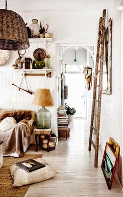Scala in legno in un arredo creativo!