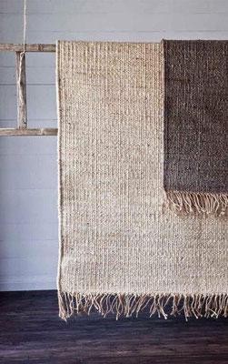 Utilizziamo una Scala in legno come porta tappeti per separè creativo ...