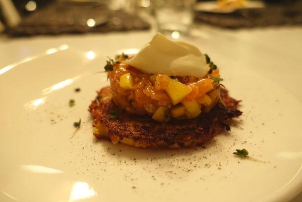 Mädchenvöllerei Pi mal Butter Food Blog Saarland Kochen Rezepte Cooking Cook Lachs-Mango-Tatar auf Kartoffelrösti mit Limettencreme