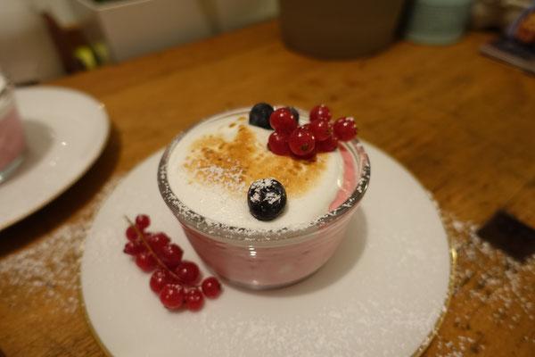 Himbeer-Baiser Creme Dessert Nachtisch Baisertraum Mädchenvöllerei Pi mal Butter Rezept Saarland