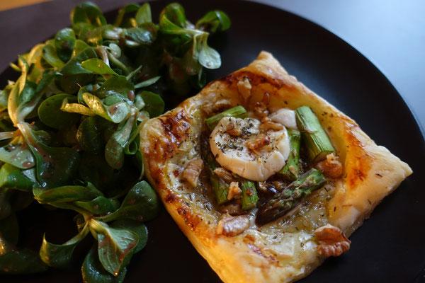 Mädchenvöllerei Food Foodblod Saarland Rezept Kochen Spargel Tartelettes Blätterteig Ziegenkäse Feldsalat