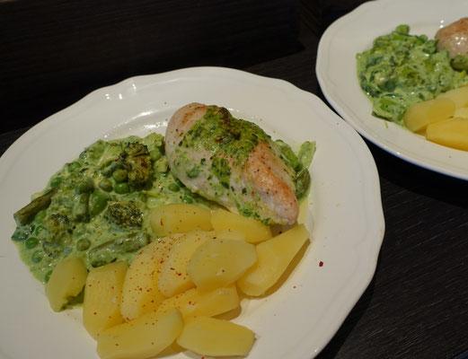 Mädchenvöllerei Pi mal Butter Foodblog Blog Saarland Hähnchen Hähnchenfilets Sahnegemüse Kartoffeln Spargel