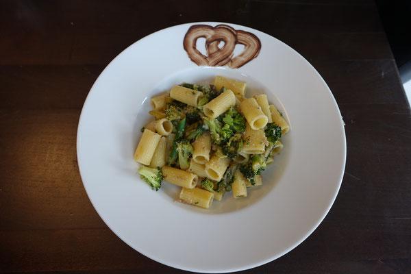 Rigatoni mit grünem Spargel und Brokkoli - Pi mal Butter Mädchenvöllerei