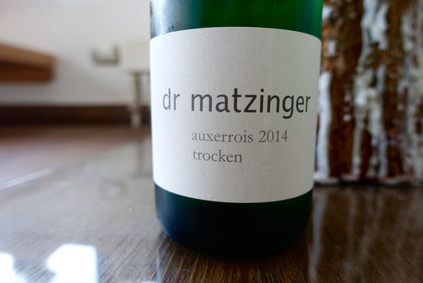 dr matzinger Matthias Jacoby Perl Wein auxerrois 2014 Pi mal Butter Mädchenvöllerei