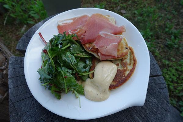 Käse Pancakes mit grünem Spargel und Aioli Mädchenvöllerei Pi mal Butter Saarland Saarlouis Rezepte Foodblog Blog Essen Kochen Rezeptideen