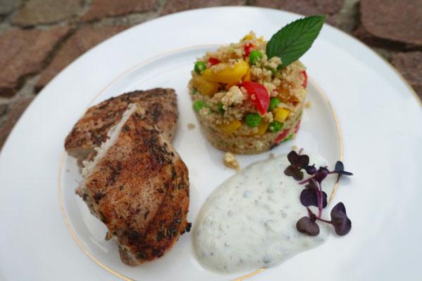 Gemüse Couscous mit gegrilltem Hähnchen und Tsatsiki - Mädchenvöllerei Pi mal Butter
