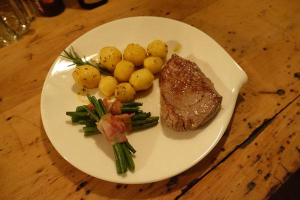 Mädchenvöllerei Pi mal Butter Food Blog Saarland Kochen Rezepte Cooking CookRoastbeef Kartoffeln Trüffel Hollandaise