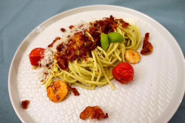 Pi mal Butter Mädchenvöllerei Saarland Rezept Food Blog Spaghetti Pasta Avocado Bacon Avocadocreme Avocadopesto