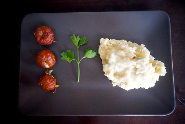 Pi mal Butter Mädchenvöllerei Merguez Käse Bällchen mit Kartoffelstampf
