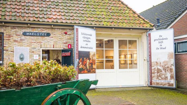 """<img src=""""image.png"""" alt=""""Hoofdingang van het Cultuurhistorisch museum """"De Waelstee"""" te De Waal, Texel"""">"""