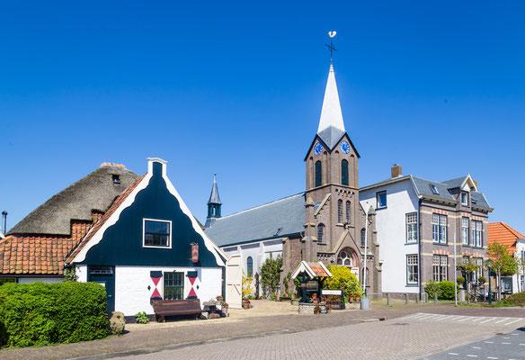 De Sint Martinuskerk van het dorp Oudeschild.