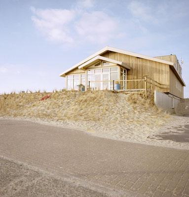 """<img src=""""image.png"""" alt=""""Strandpaviljoen Paal 9 op een duin bij Den Hoorn, Texel"""">"""