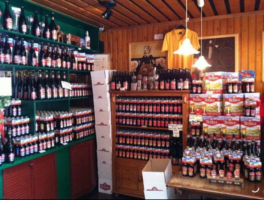 """<img src=""""image.png"""" alt=""""Het winkeltje van de Texelse brouwerij te Oudeschild, Texel waar men alle soorten TEXELS bier kan kopen"""">"""