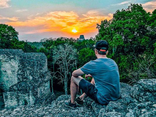 Mayapyramiden bei Tikal