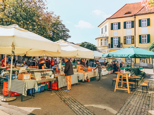 Samstagsmarkt vorm La Pura Women´s Health Resort Kamptal