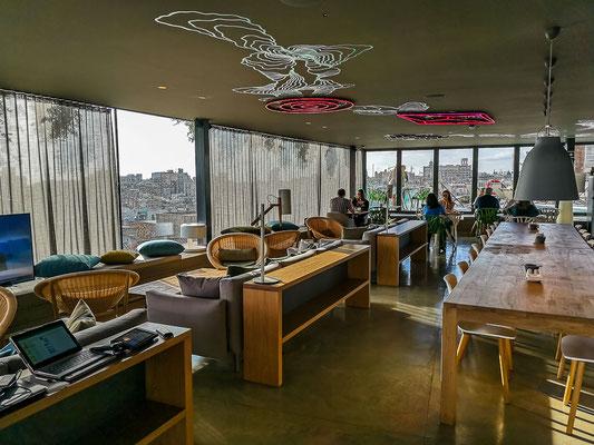 Frühstücksraum im Hotel REC mit Dachterrasse